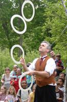 Dikki Ellis juggling rings. Bryan Haeffele image.