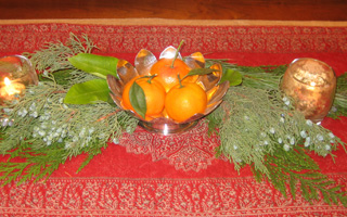 Simple greenery and fruit make an elegant and easy centerpiece