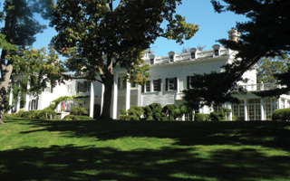 Briarcliff Manor ghosts