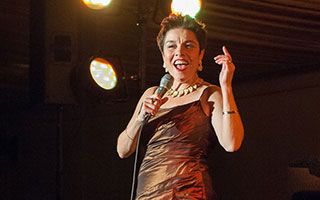 Broadway Star Christine Andreas performs at fund raiser