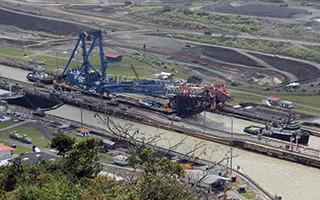 The I Lift NY super crane at the Miraflores Locks in Panama in early January. Photo by: Fluor Corporation